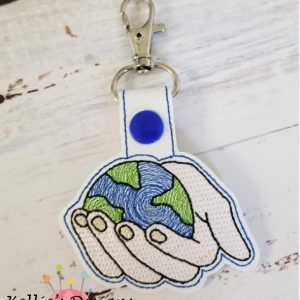 World In His Hands Snap Tab