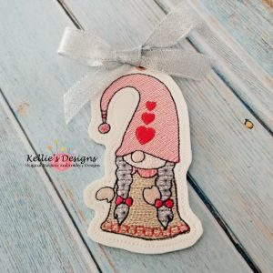 Mrs Valentine Gnome Ornament